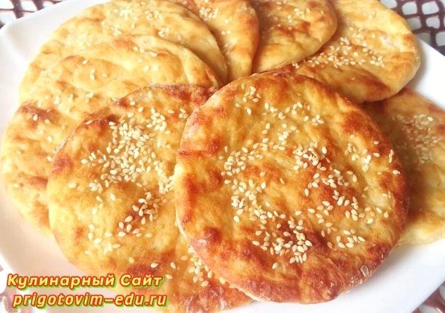 Лепешки из картофельного пюре приготовленные в духовке