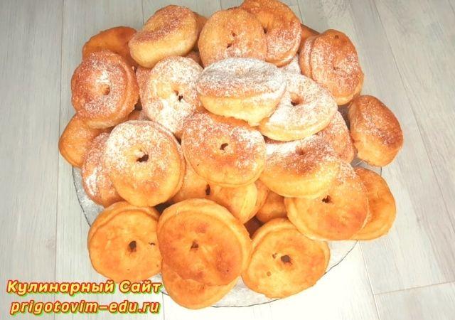Пышные творожные пончики жареные в масле