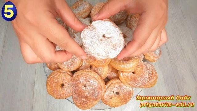 Пышные творожные пончики