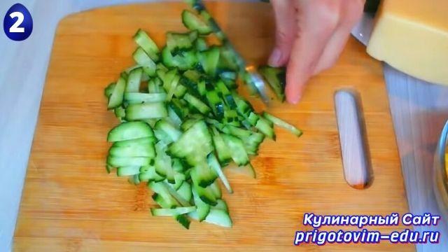 Как приготовить вкусный салат из крабовых палочек 2