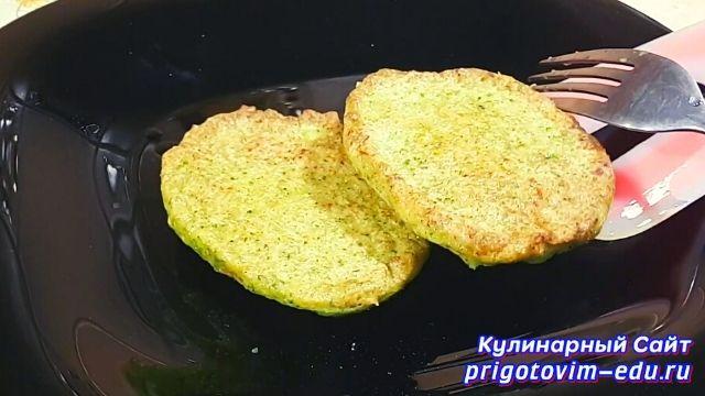 Полезные овощные котлеты из капусты брокколи