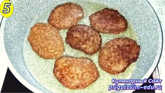 Как приготовить печеночные котлеты из куриной печени 5